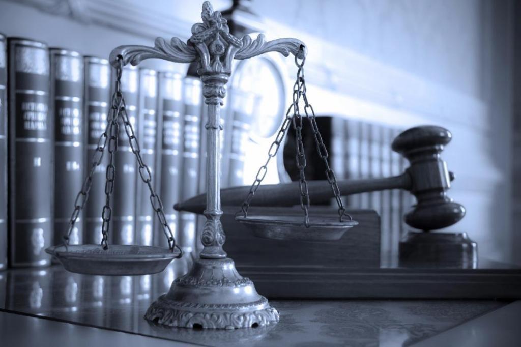 Кто занимается рассмотрением дел об административных правонарушениях в России