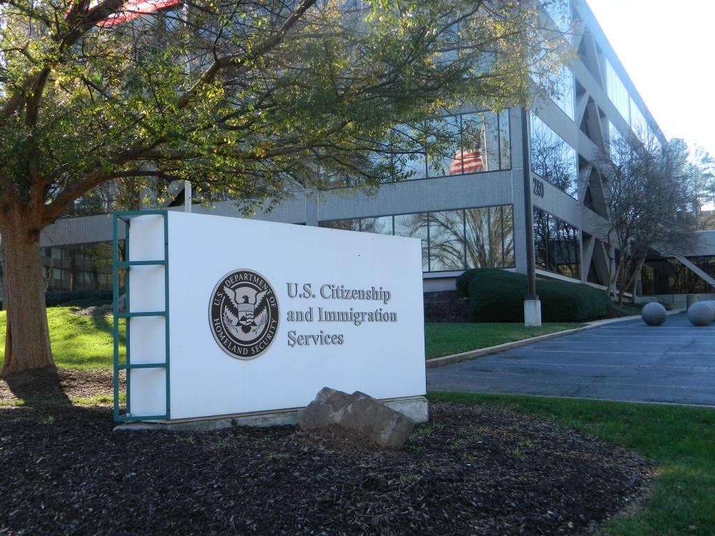 Служба иммиграции в Америке