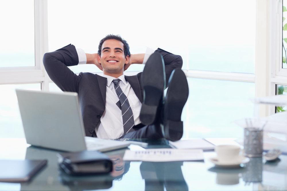 Человек в офисе