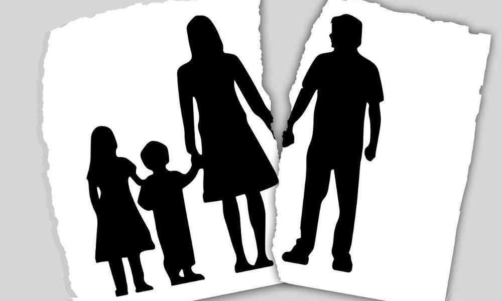 как подать на развод и алименты одновременно
