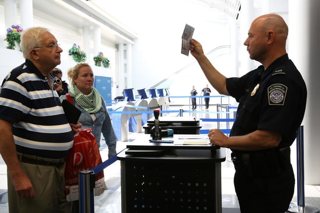 Ускорить получение загранпаспорта официально