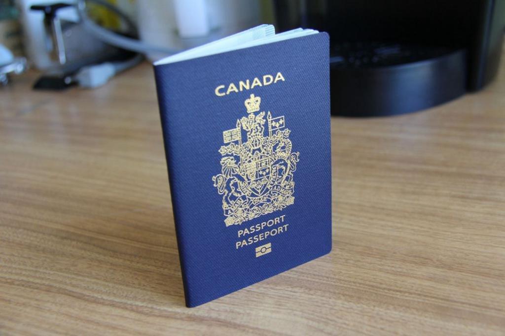 паспорт Канады