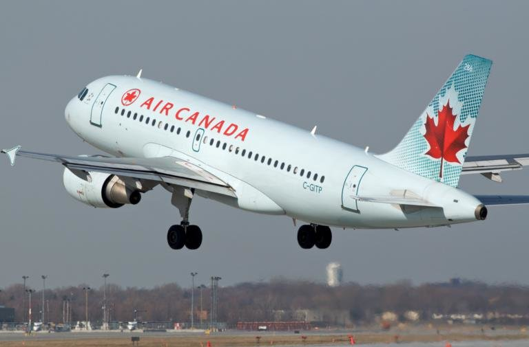 самолет канадской авиакомпании