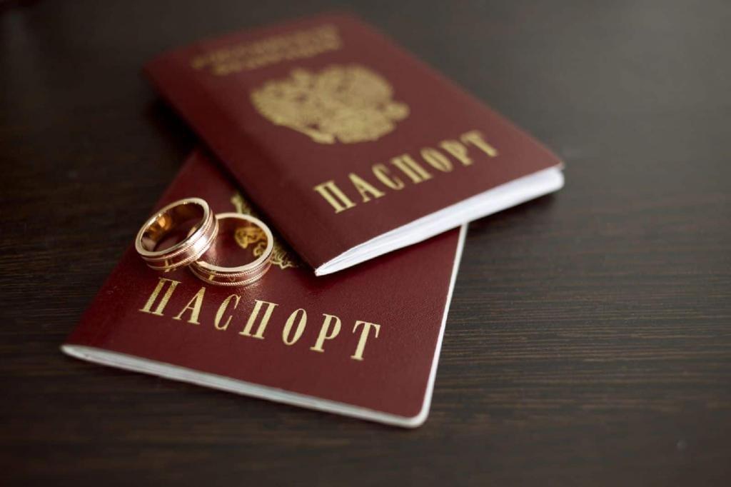 сколько штраф за просроченный паспорт