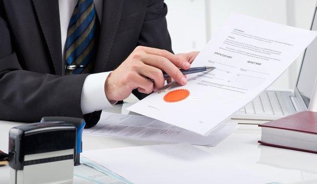 банк дает кредит неофициально работающим