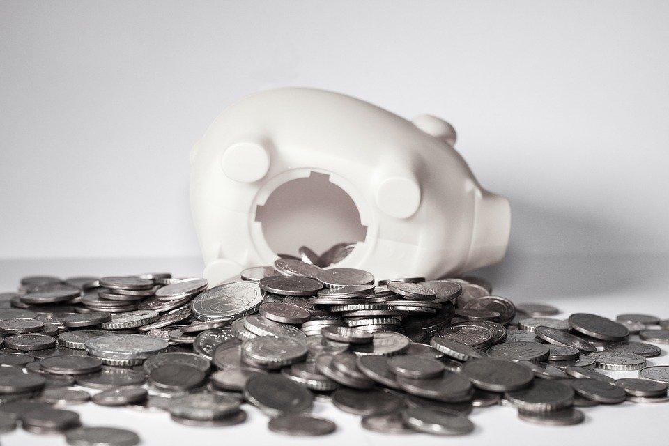 объявить себя банкротом кредитам