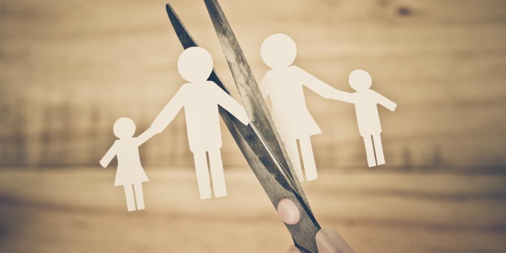 Жена с ребенком разводится с мужем