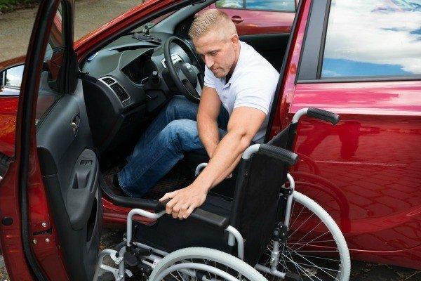 Инвалид и авто