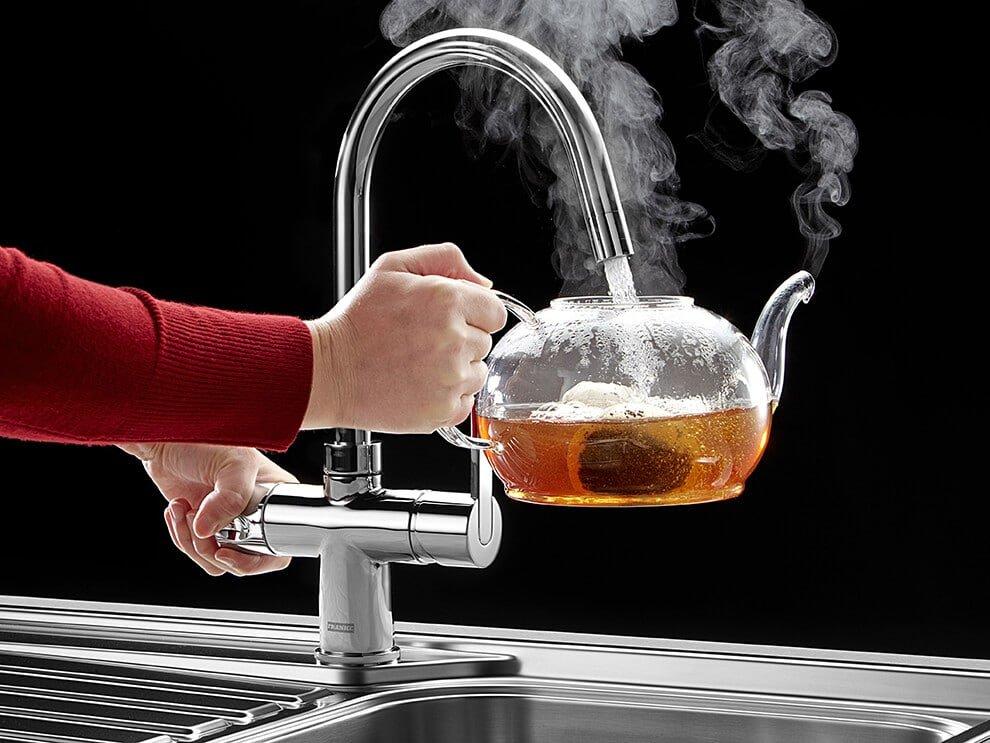 Подача горячей воды в квартиры