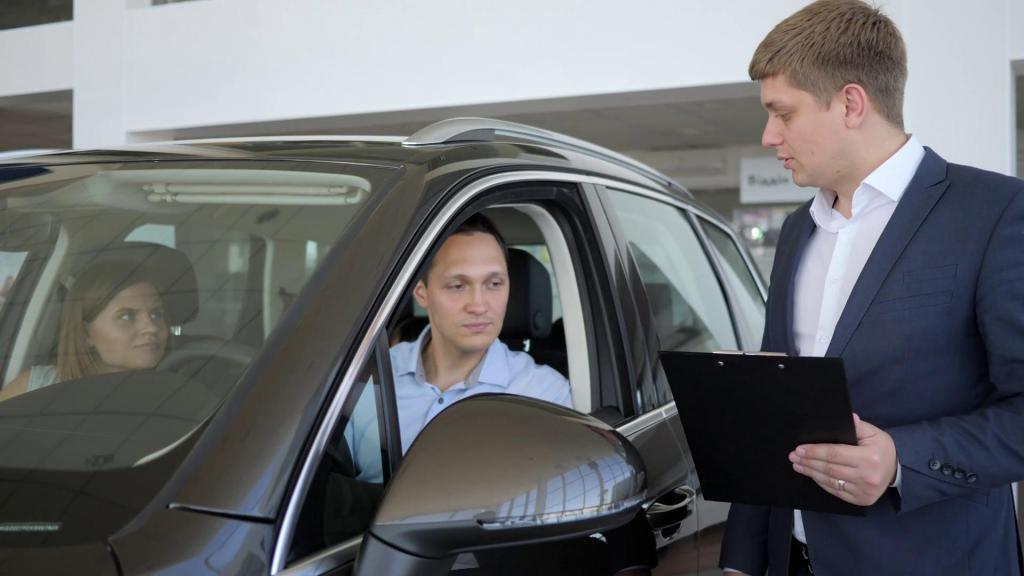 как покупать новую машину в автосалоне