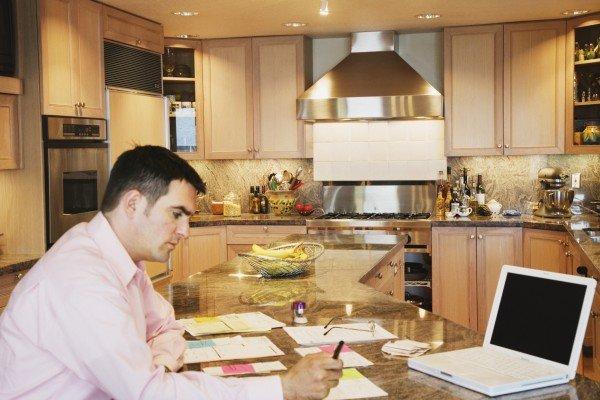 Как воспользоваться налоговым вычетом при продаже квартиры