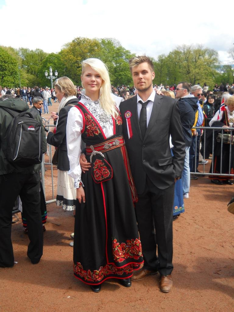 Норвежцы на празднике
