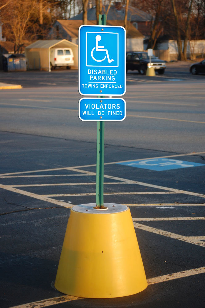 действие знака парковка для инвалидов начинается