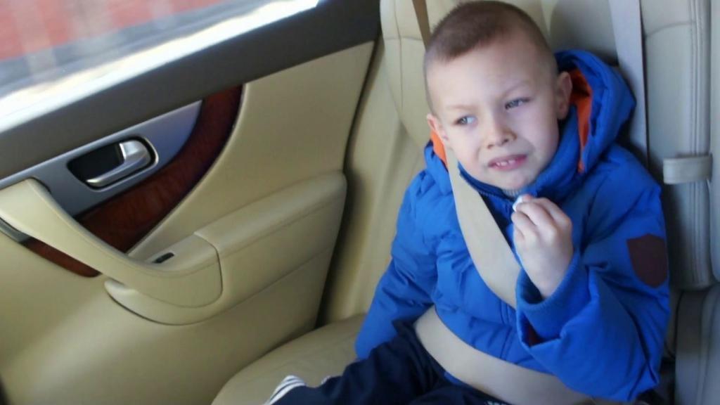 До какого возраста нужно ребенку автокресло