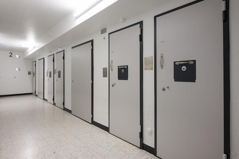 тюрьма в швейцарии
